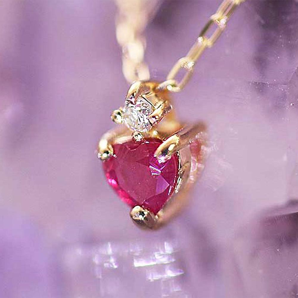 鮮烈な赤の宝石 ルビー
